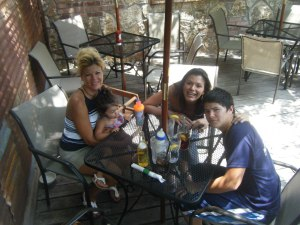 Lunching With My Chitlins at Hollywood and Vine in Glen Rose, Texas.